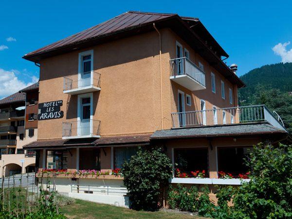 hotel-les-aravis-ete-ext-3-smaller-jpeg